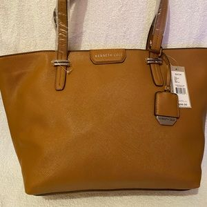 Reaction Kenneth Cole Tote Bag